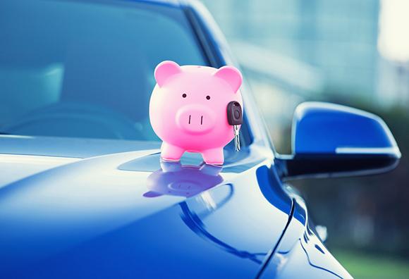 Копилка свинья и автомобиль