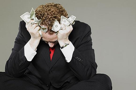 финансовые сложности у заемщика как причина для продажи ипотечного жилья