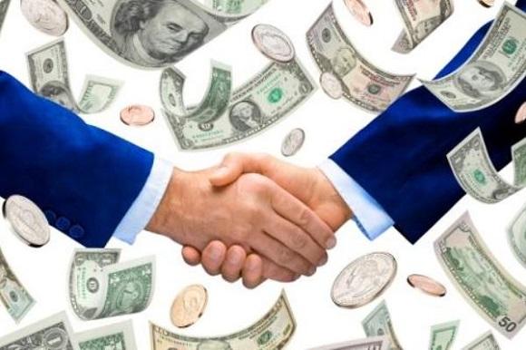 Для оформления кредита свыше 150 тыс. рублей потребуется привлечение поручителя
