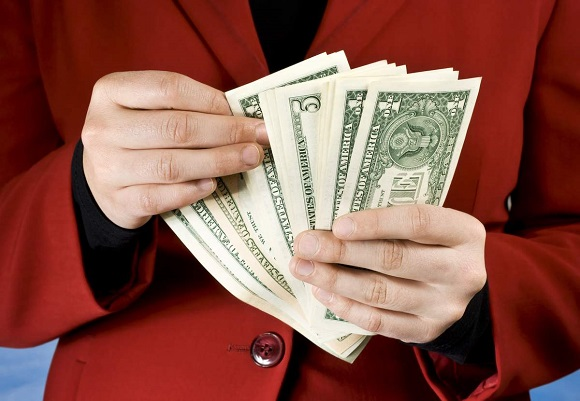 заемщик самостоятельно находит нужное количество денежных средств